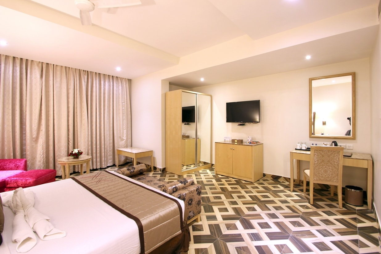 Spacious Suites - King Bed
