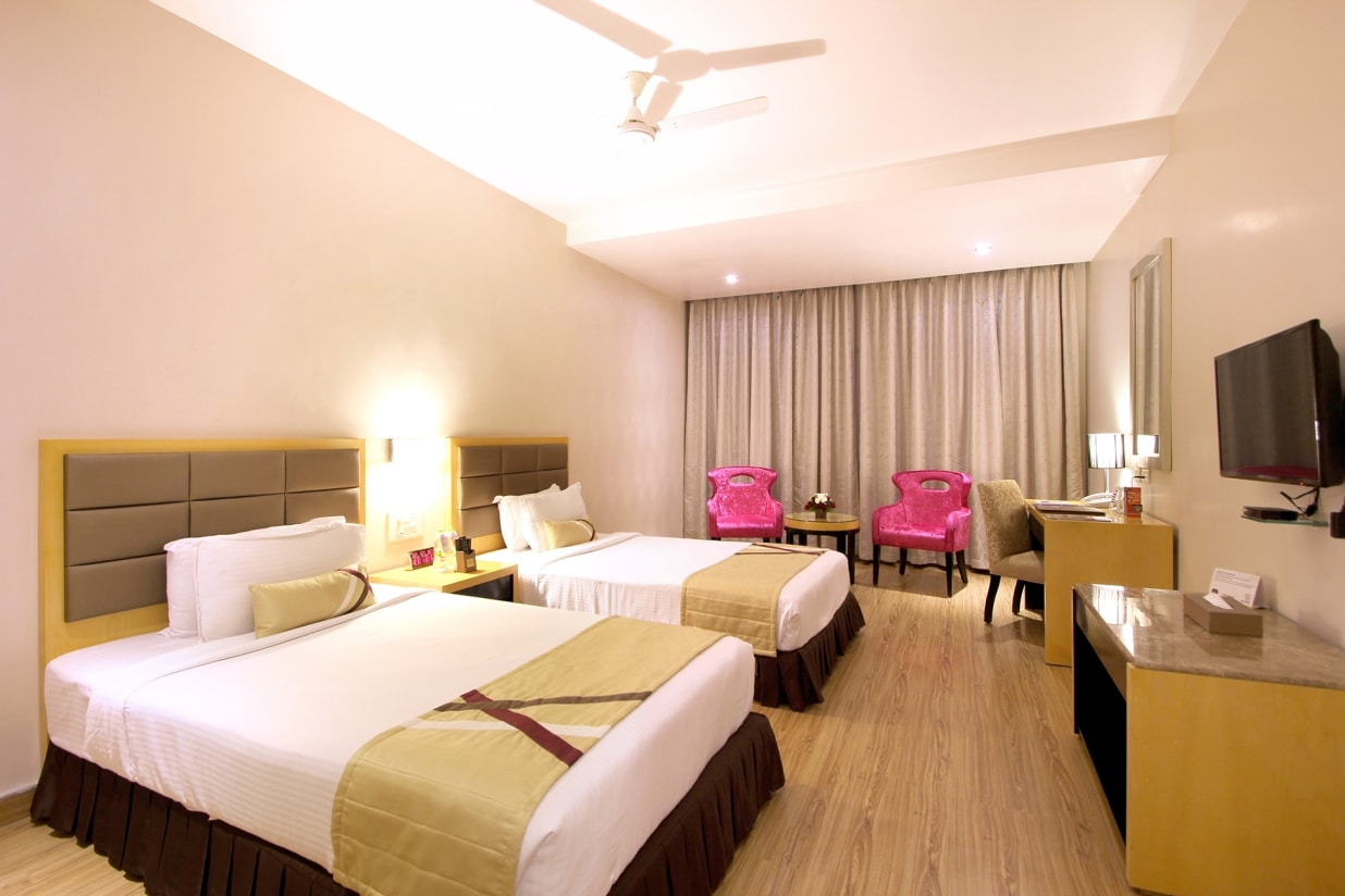 hotel stay in Hyderabad with deluxe rooms - twin beds